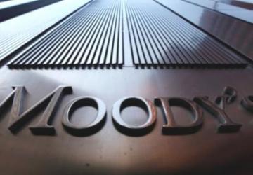 Moodys 15 dev bankanın notunu kırdı